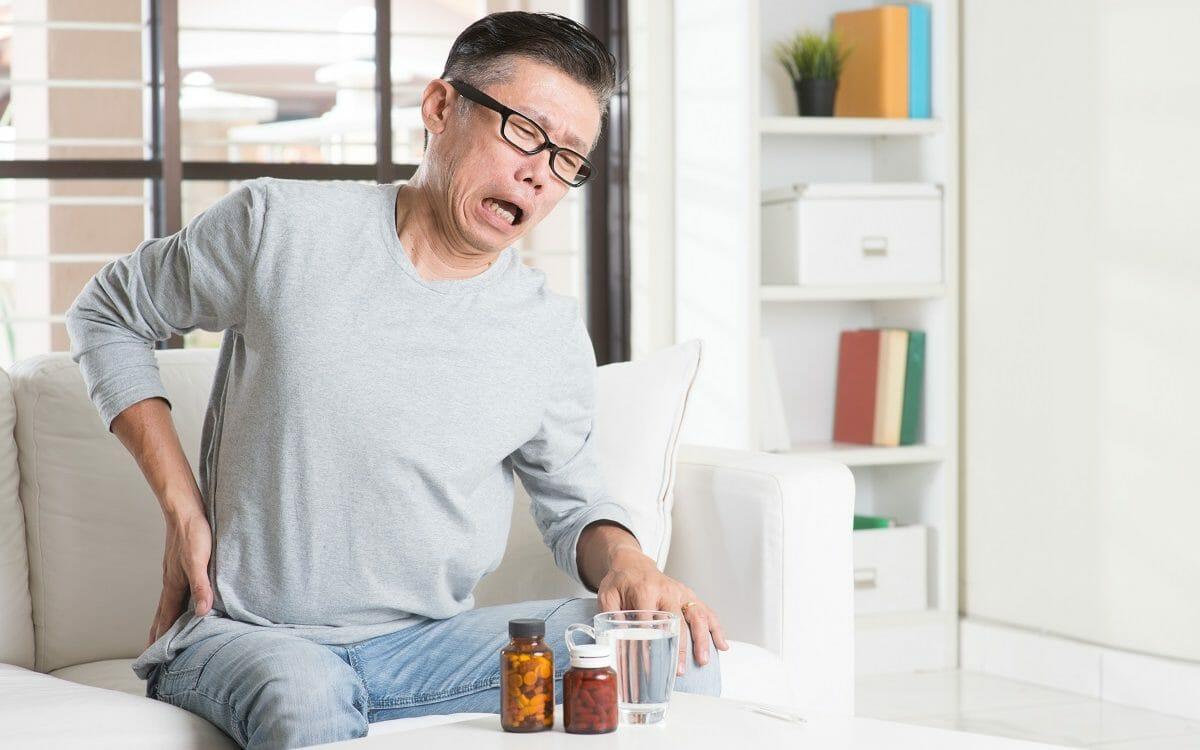 Operácia a množstvo liekov nemusia byť jediným spôsobom ako sa zbaviť bolestí chrbtice.
