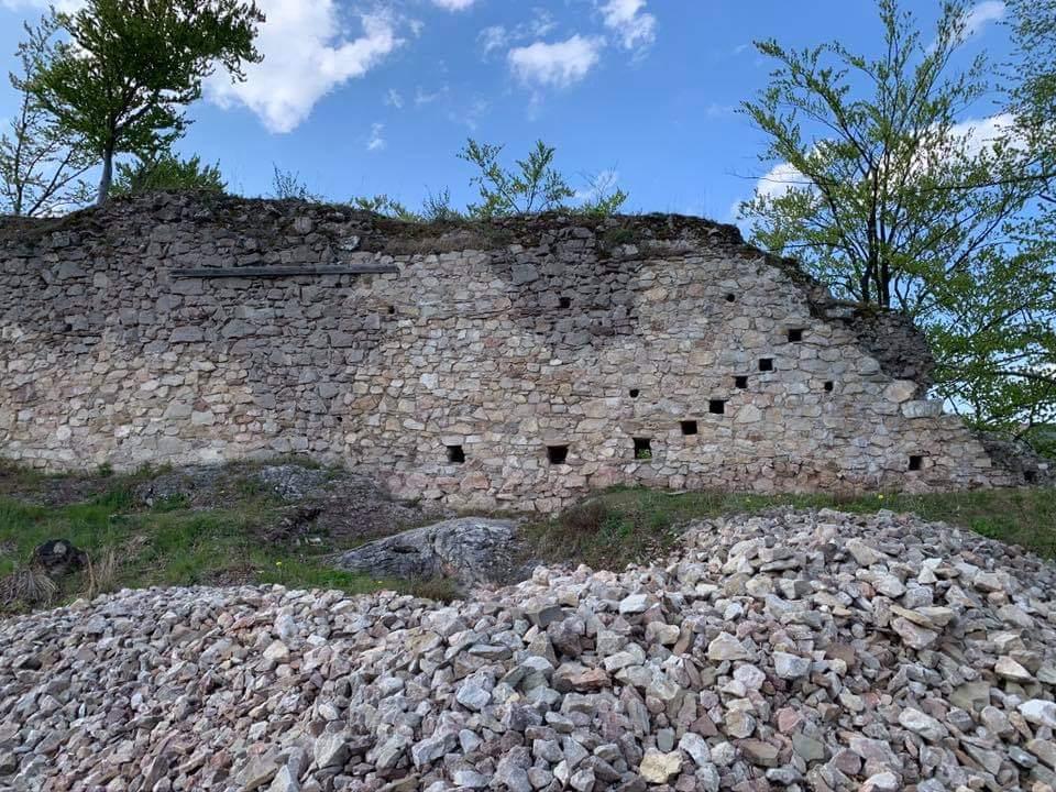 Opevnenie Hanigovského hradu