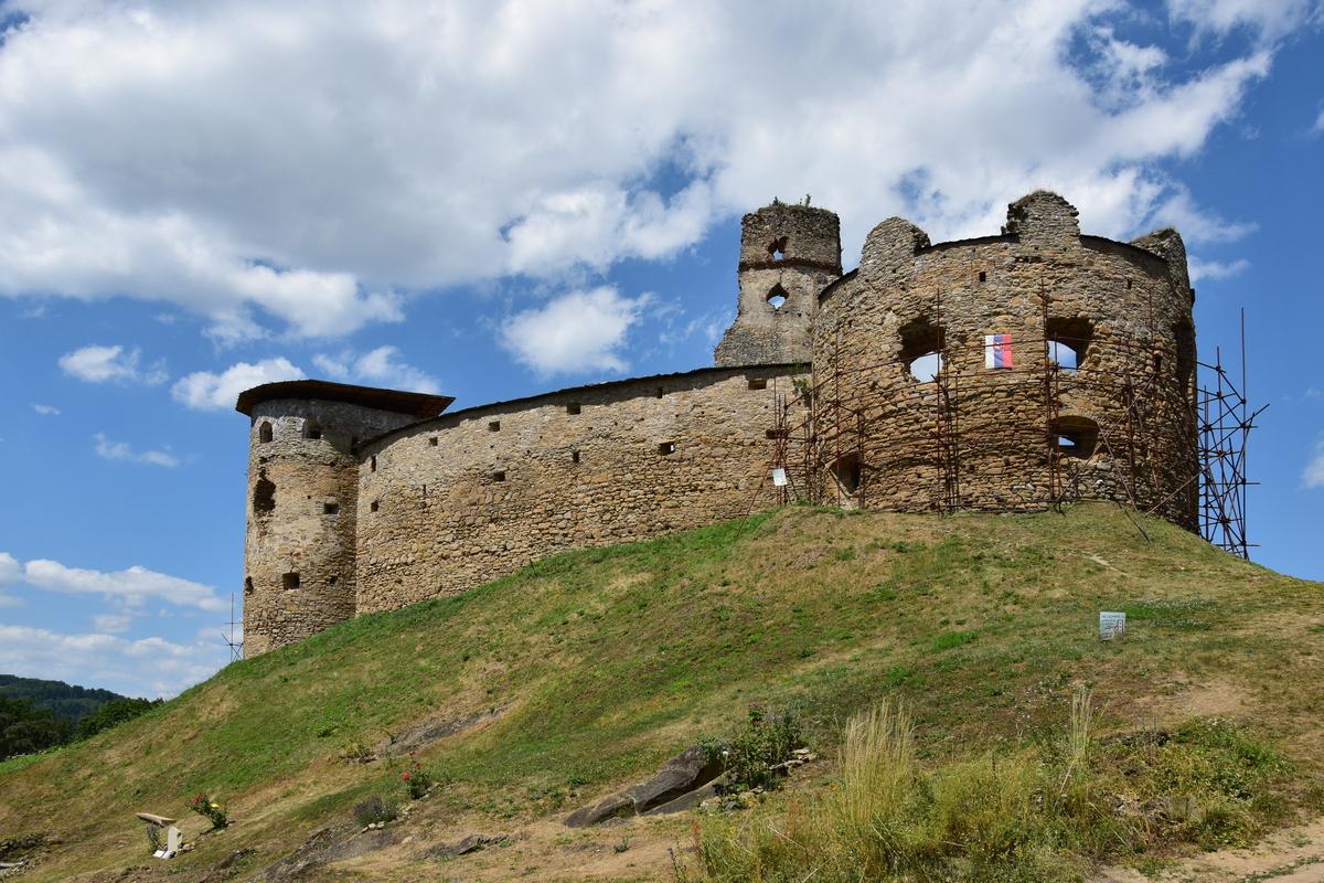 Zborov, pohľad na horný hrad