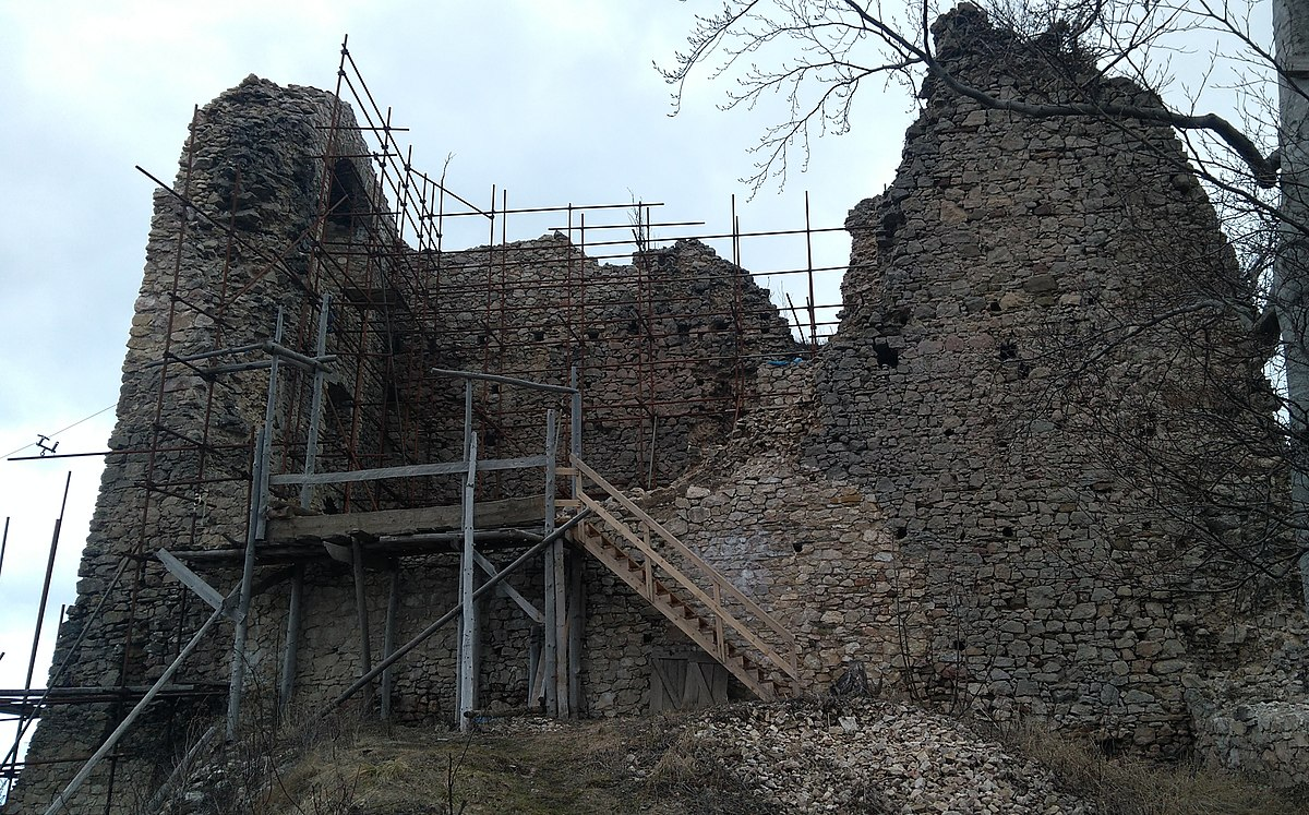 Rekonštrukčné práce na hrade