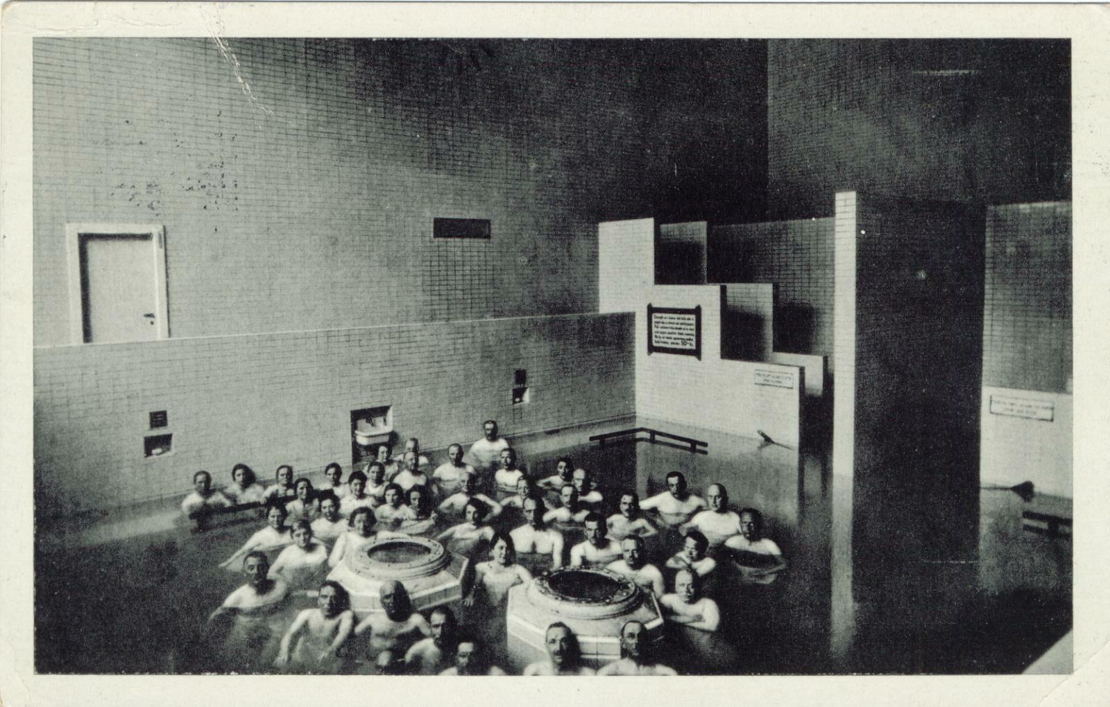 Historický záber na termálny kúpeľ Sina