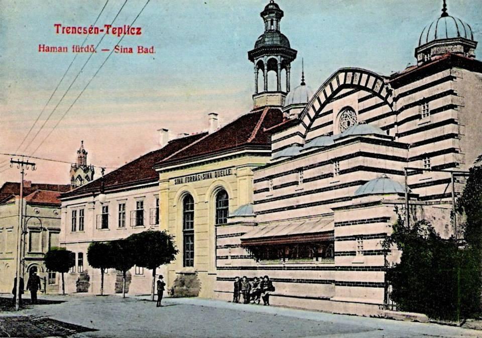 Kolorovaný historický záber na Hammam aj s pôvodnou budovou bazéna Sina a hotelom, ktorá bola postavená okolo roku 1871