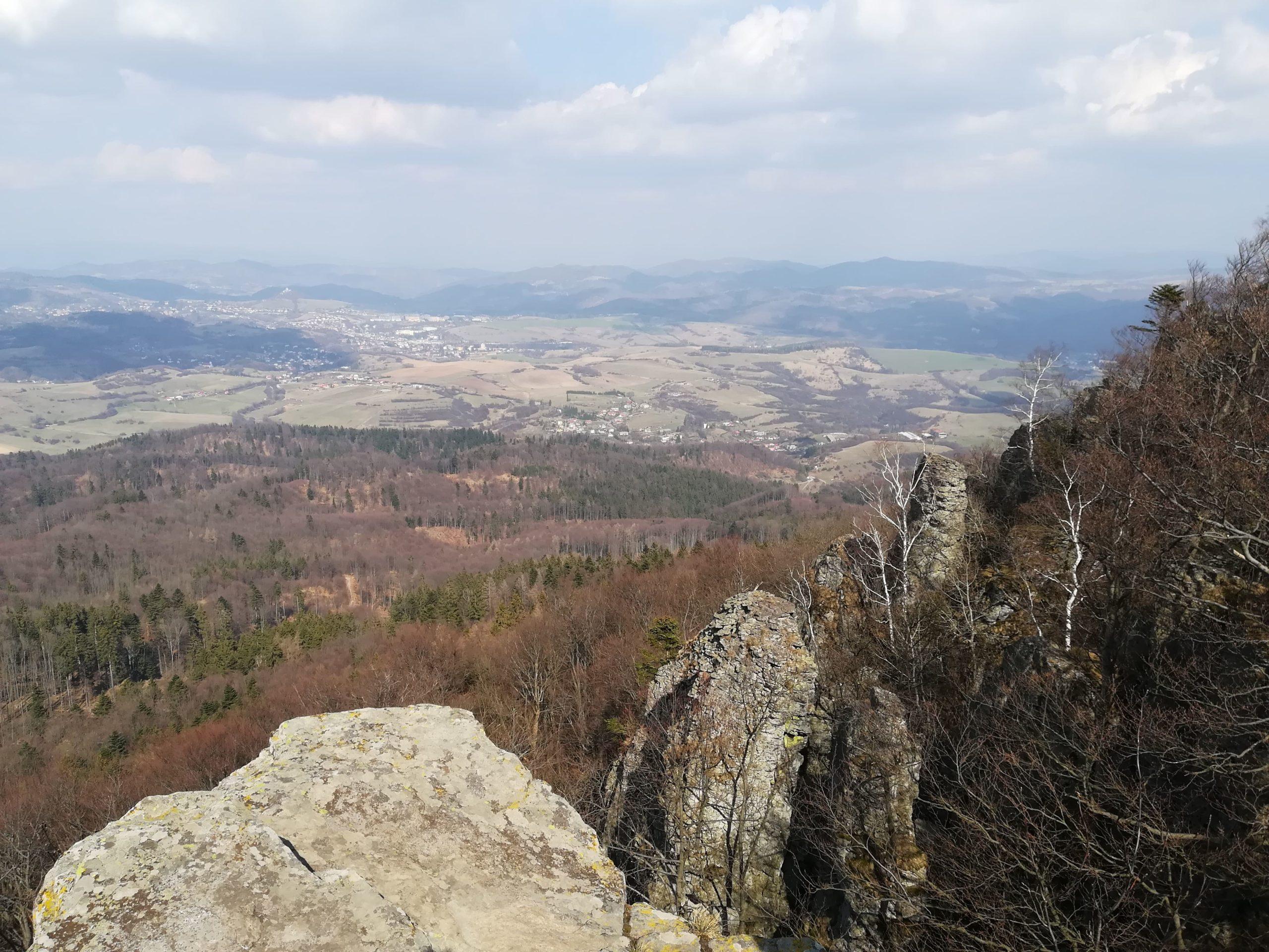 Výhľad na okolie zo Sitna