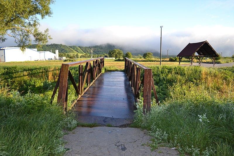 Prameň Gemerka-prístrešok a most