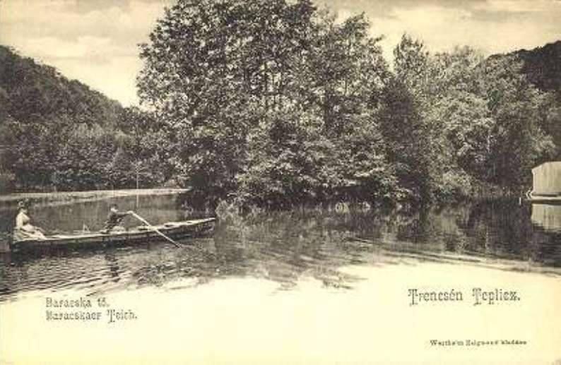 Člnkovanie na Labuťom jazierku v Tepliciach