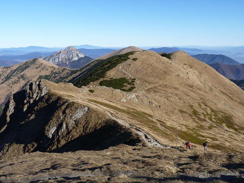 Hrebeňová trasa na Poludňový grúň
