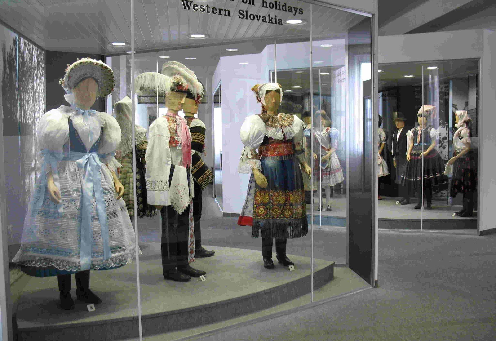 Sviatočný odev západné Slovensko
