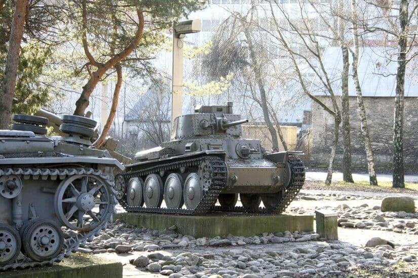 Vonkajšia expozícia múzea - Česko-slovenský ľahký tank LT38