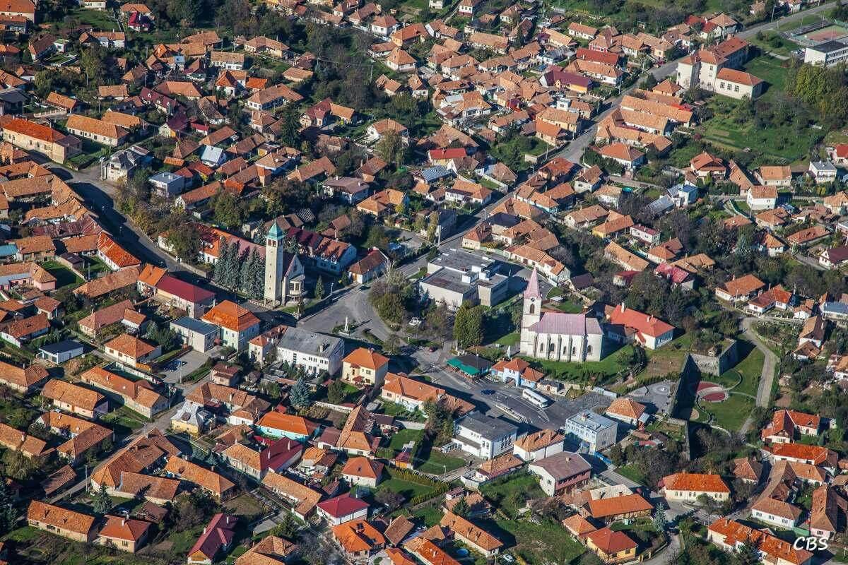 Letecký pohľad na obec Pukanec