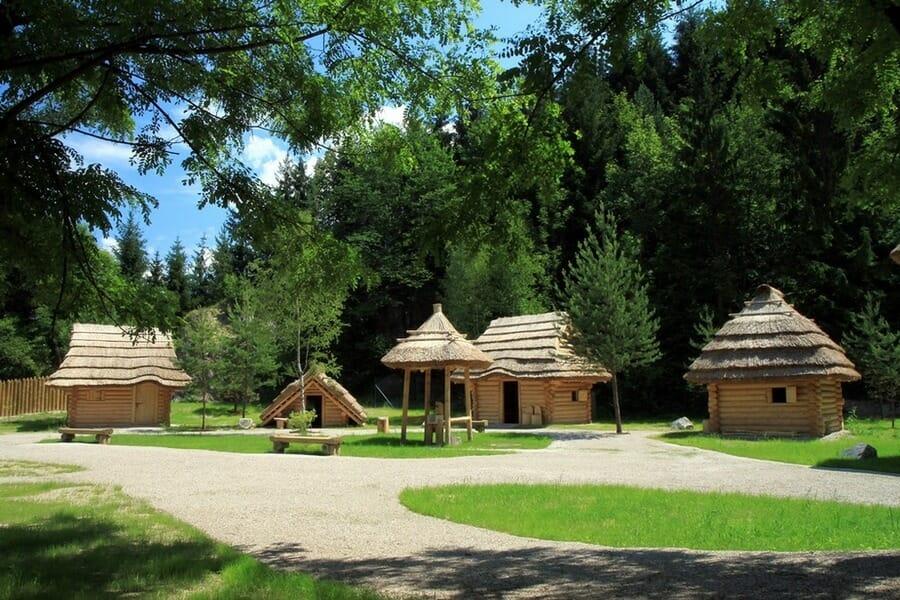 Stredoveká dedina Paseka