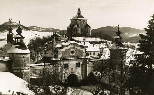 Piargská brána a Nový zámok na historickej fotografii