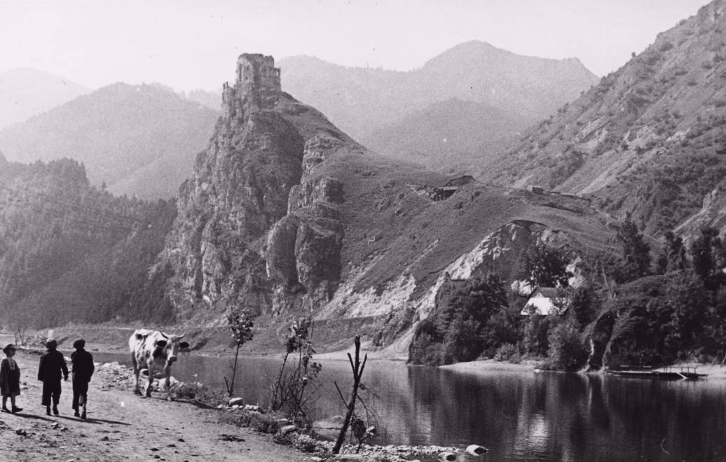 Historický záber ruiny hradu