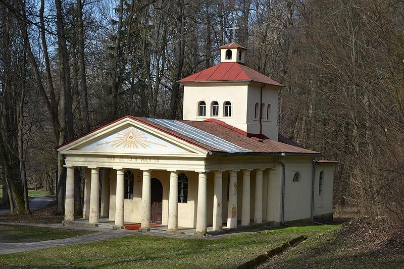Kaplnka sv.Hildegardy z roku 1855 v kúpeľnom parku Sliač
