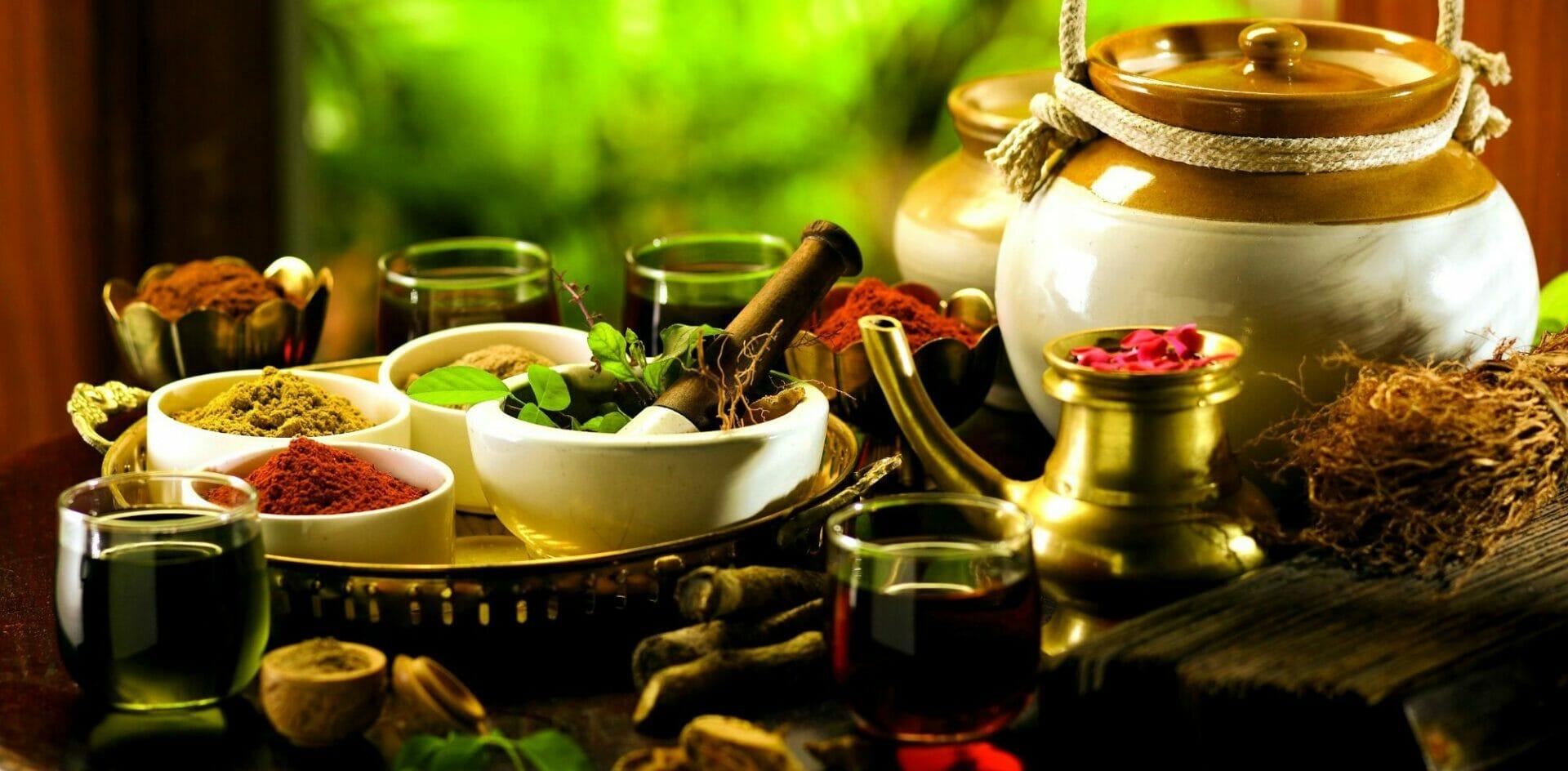 V ajurvéde sa využívajú bylinné čaje a potraviny šiestich chutí