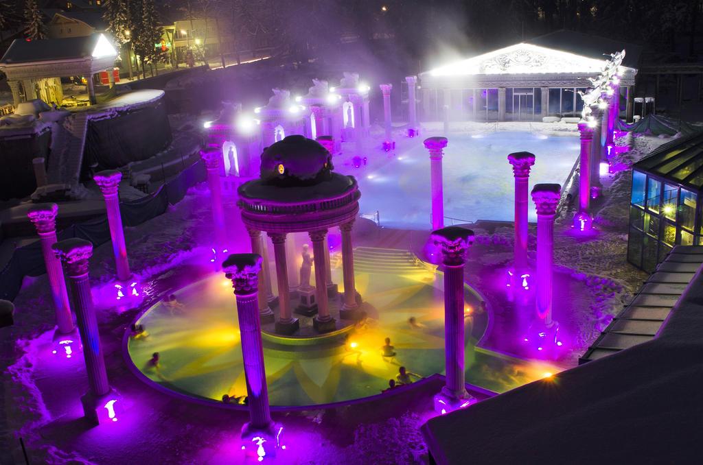 Vonkajšie bazény pri Apartmánoch Royal Aphrodite Palace