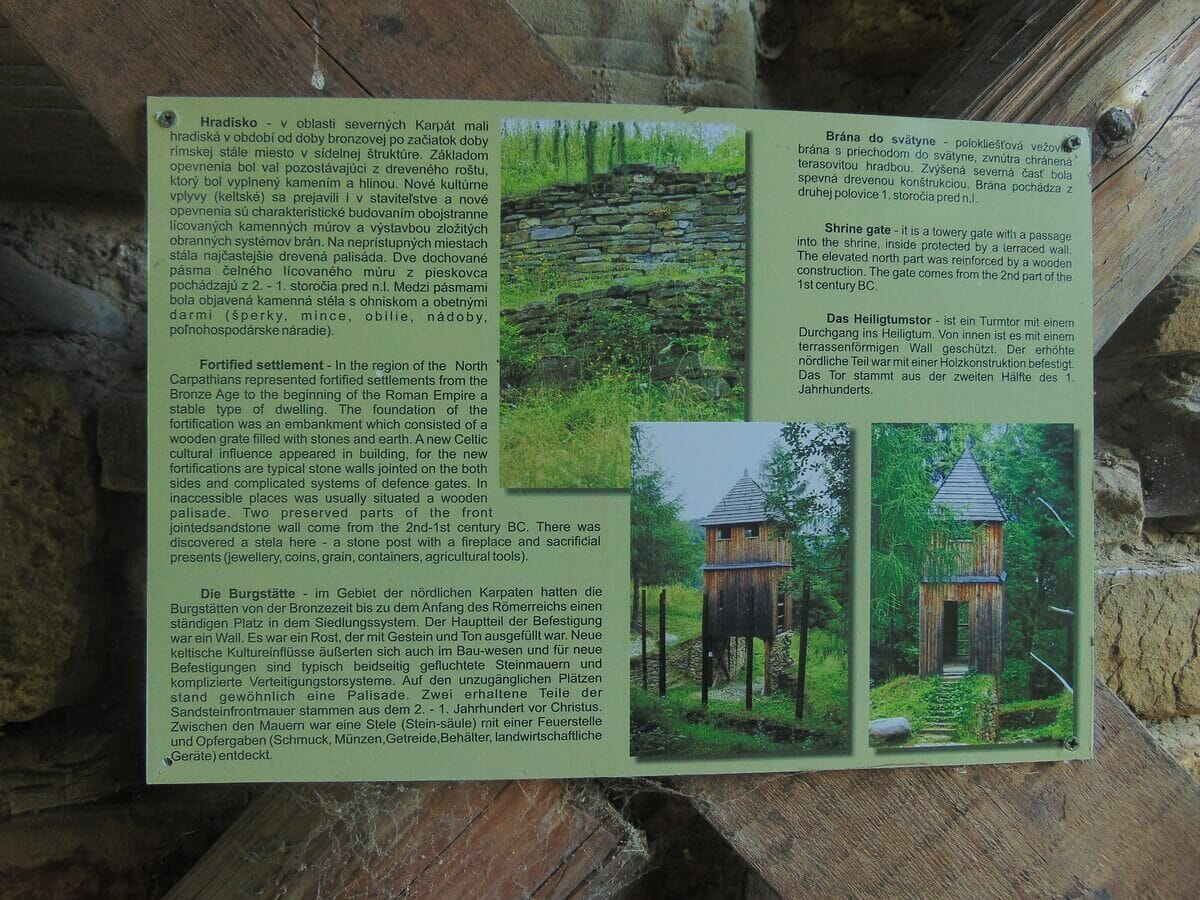 Informačný panel – o histórii hradiska