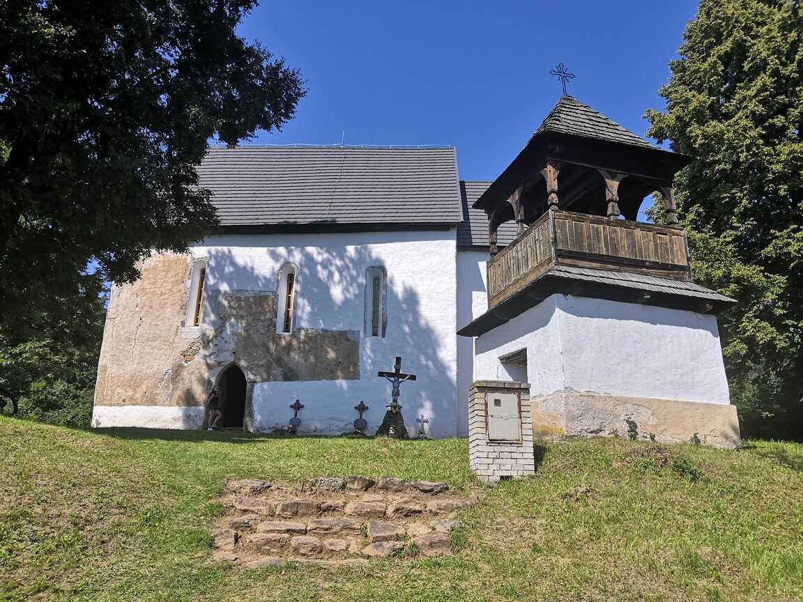 Kostol najsvätejšej trojice v Rákoši
