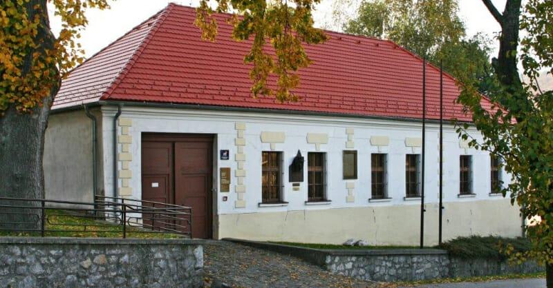 Budova múzea Milana Rastislava Štefánika v Košariskách