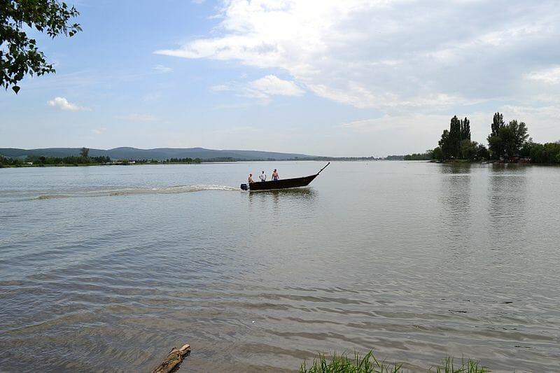Jazero Sĺňava