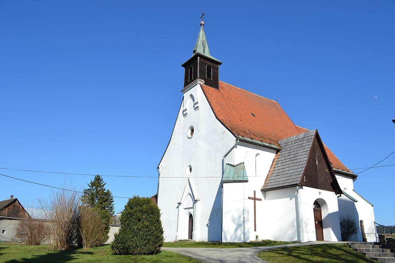 Gotický kostol sv. Mikuláša v Sliači