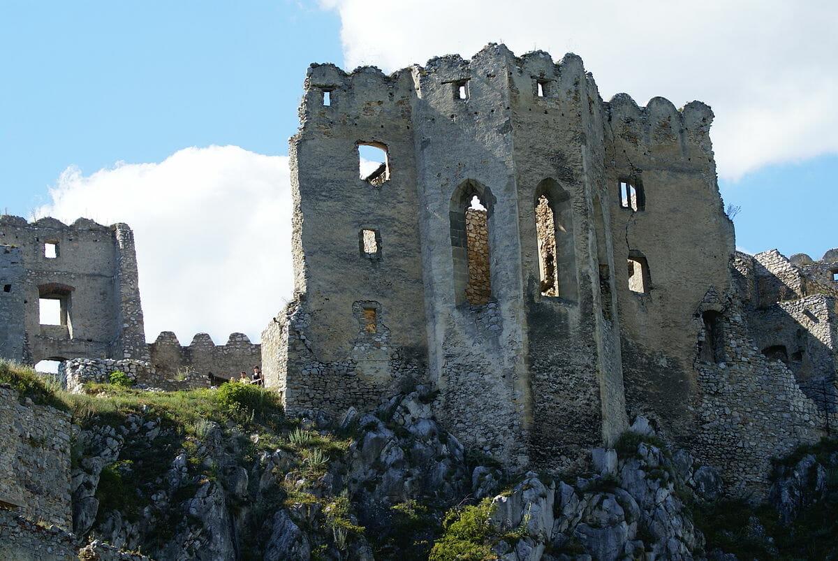 Zrúcanina hradu Beckov
