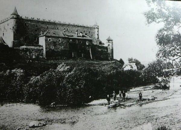 Historická fotografia Zvolenského zámku