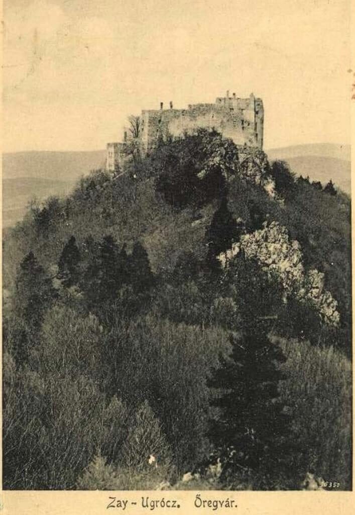 Historická fotografia Hradu Uhrovec – rok 1915