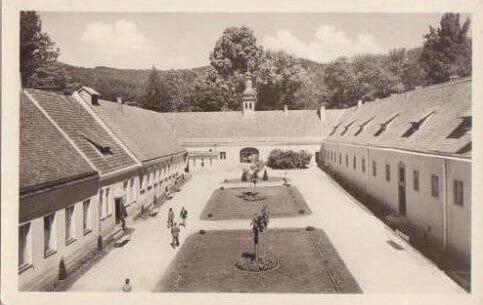 Kúpeľný park na historickej fotografii