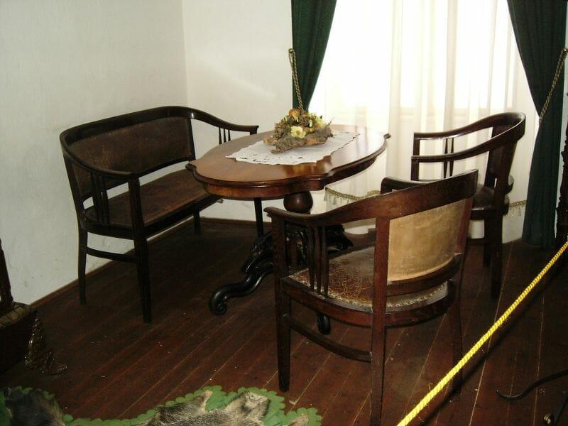 Expozícia dobového nábytku