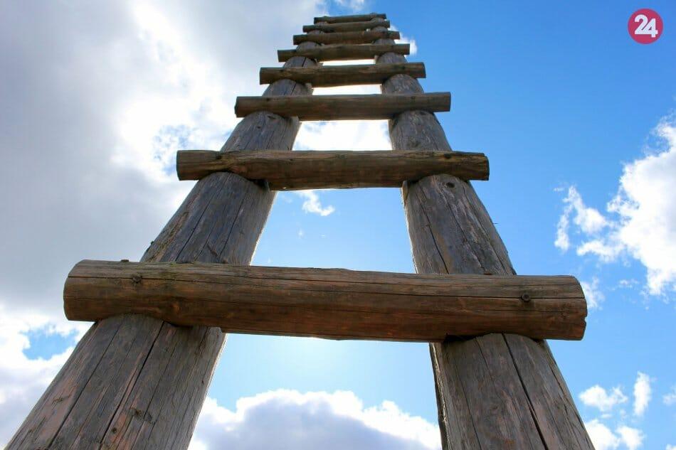 Na rebrík môžete vyjsť a vychutnať si výhľady do okolia