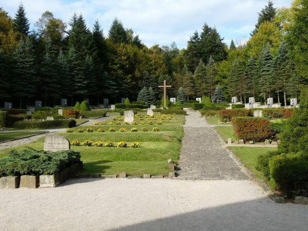 Pamätník na čs. armádneho zboru – pamätný cintorín