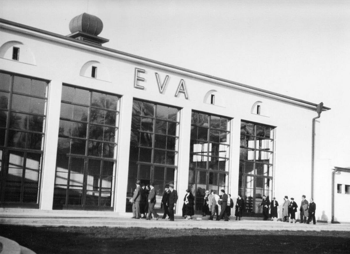 Budova plaveckého bazéna v roku 1935 Kúpalisko Eva Piešťany – historická fotografia