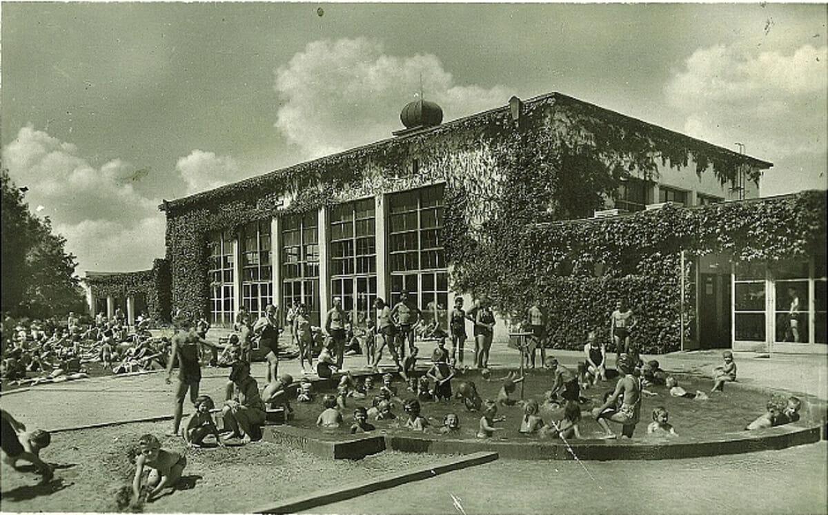 Historická fotografia detského bazéna – Kúpalisko Eva Piešťany