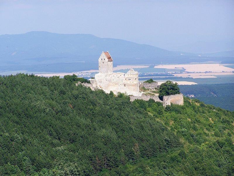 Pohľad na topoľčiansky hrad