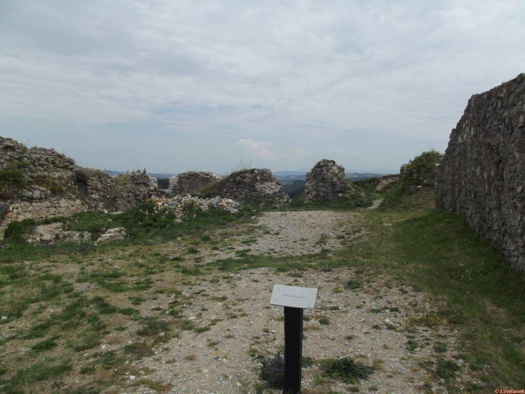 Hrad Branč – Stredný hrad
