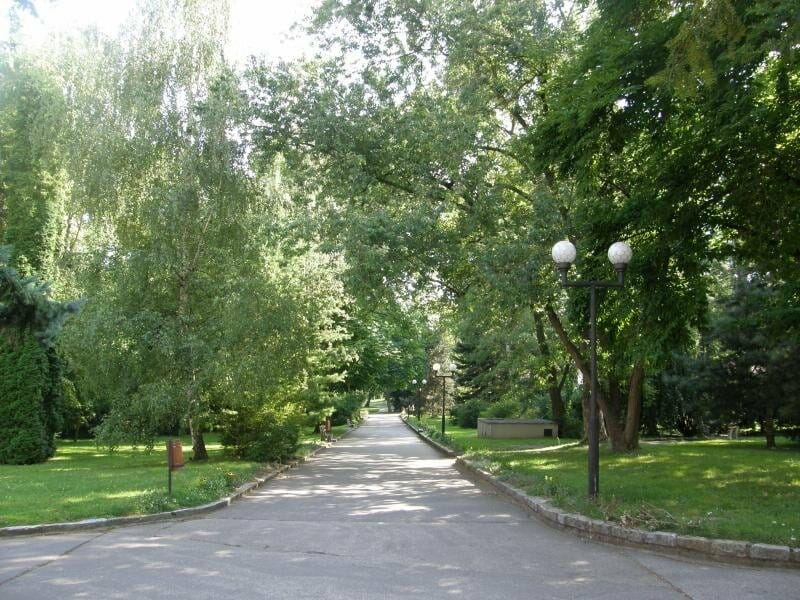 Prechádzka kúpeľným parkom Smrdáky
