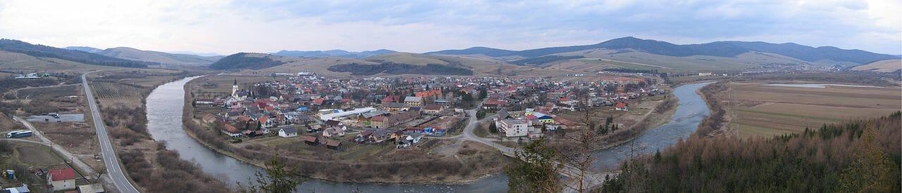 Panoráma obce z hradu Plaveč