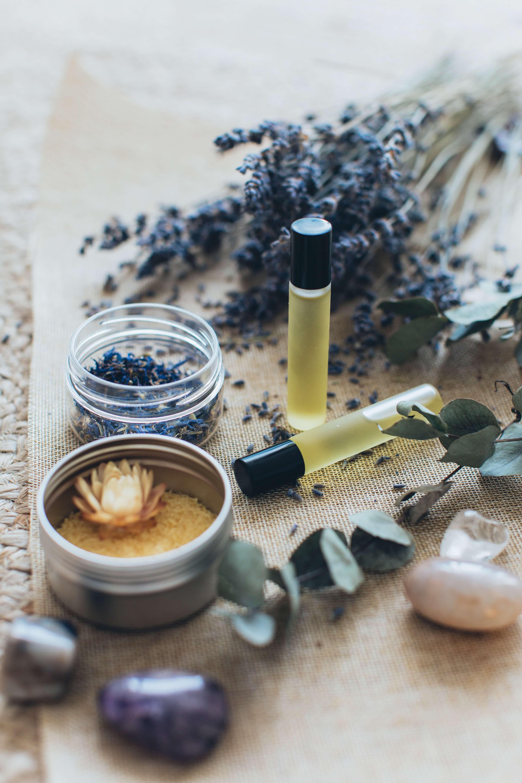 Pri masáži sa nepoužívajú emulzie, no masíruje sa špeciálnou zmesou olejov
