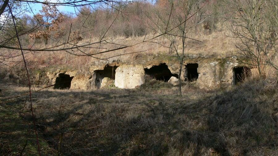 Skalné obydlie - Lišov