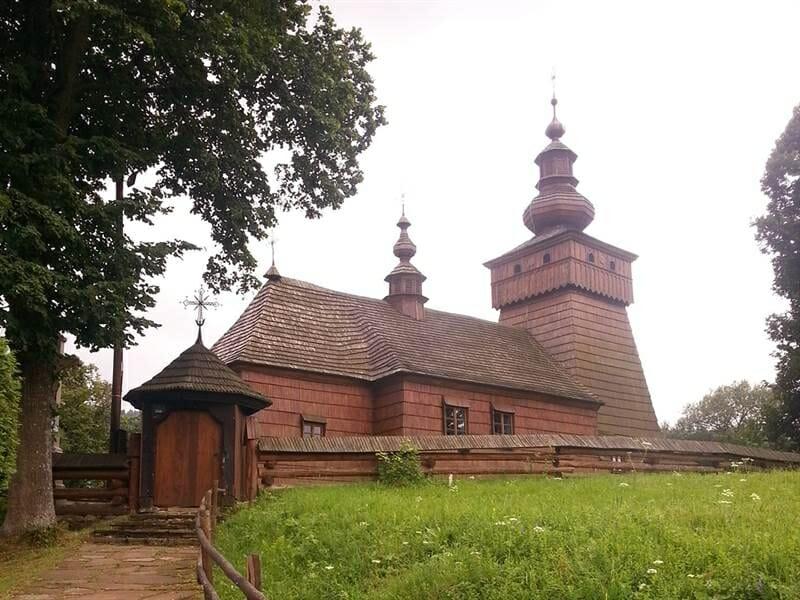 Drevený kostol vo Fričke