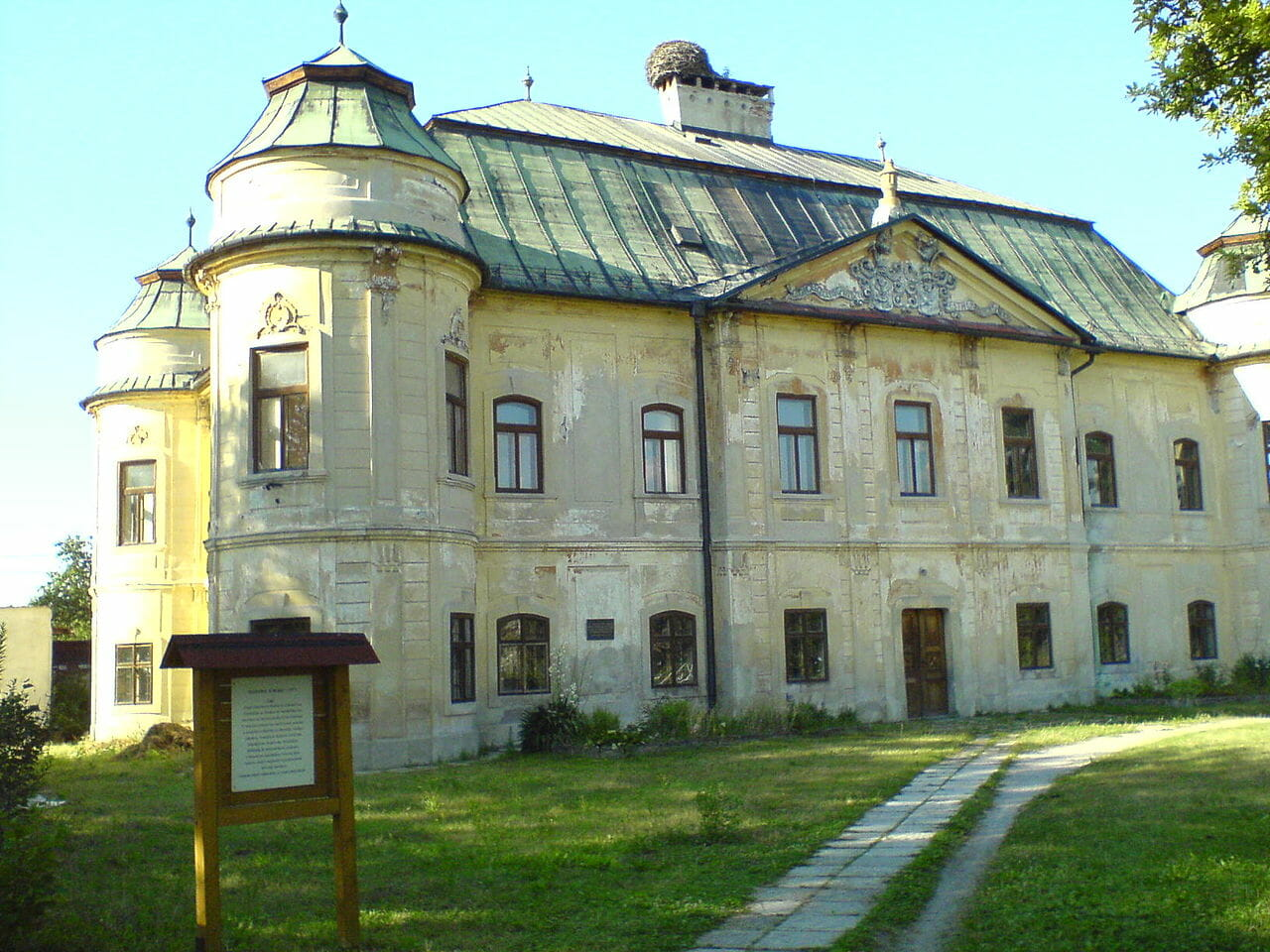 Soóvsko-Géczyovský kaštieľ v Hronseku