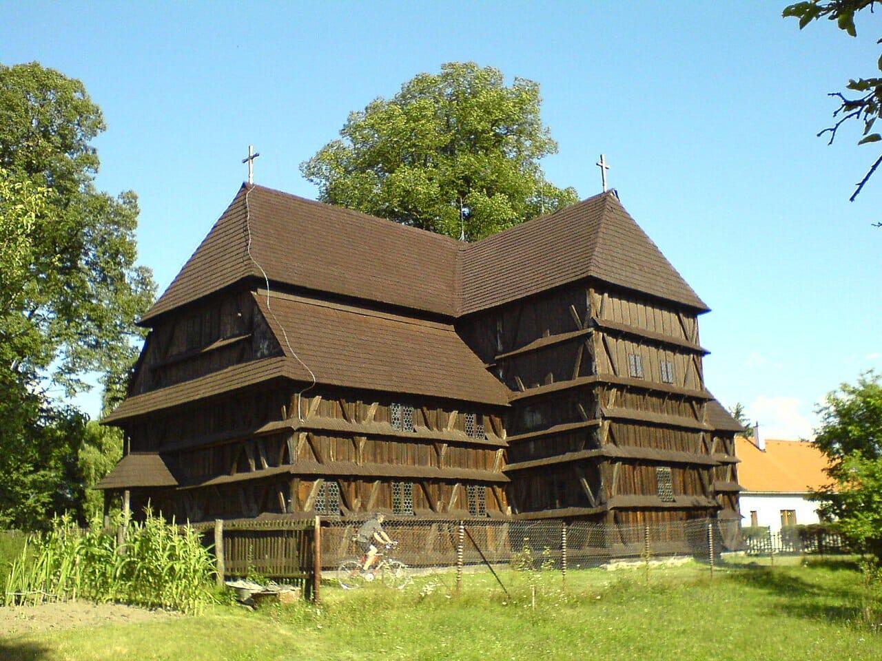 Drevený artikulárny kostol Hronsek