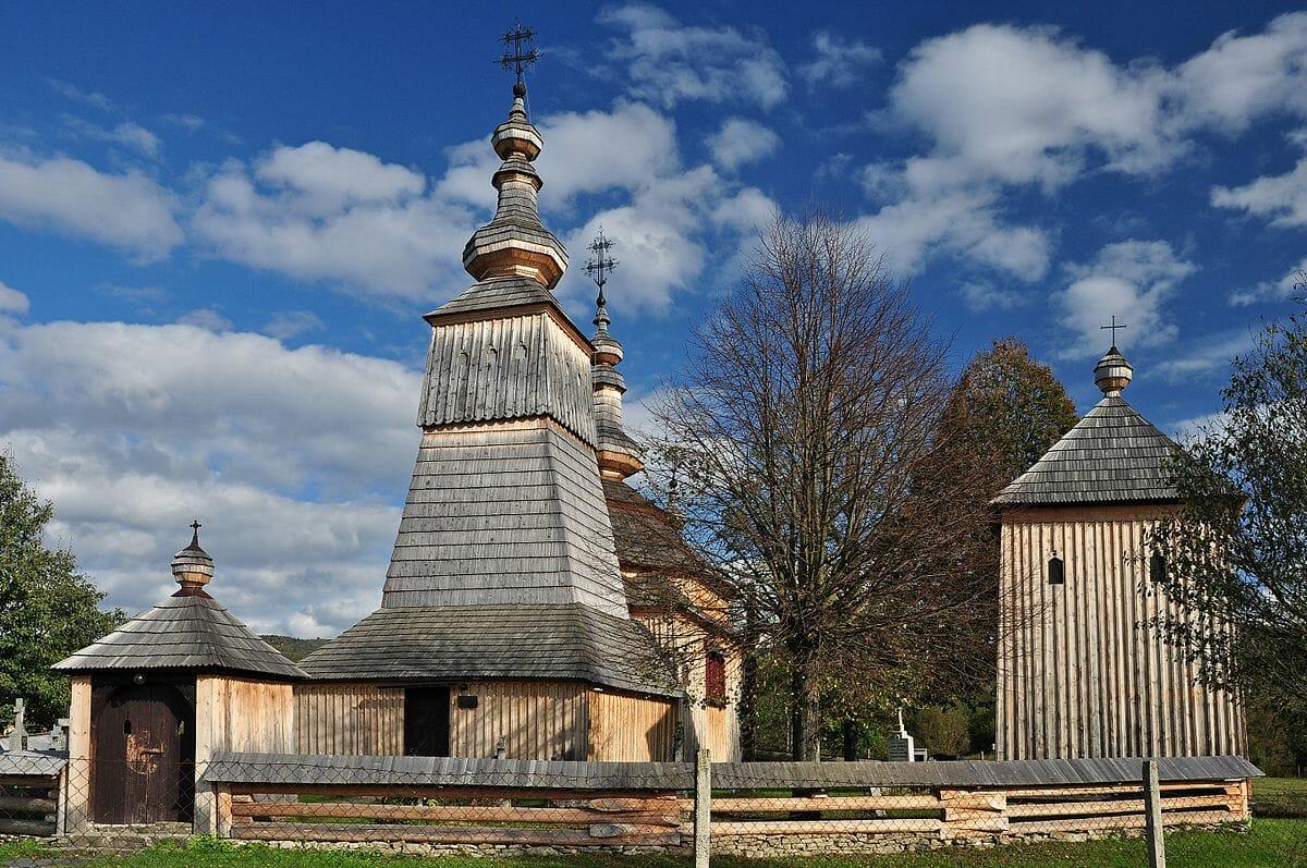 Drevený kostol v Ladomirovej