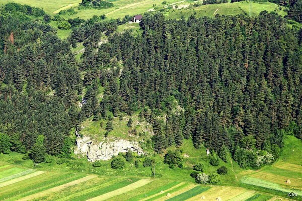 Letecký pohľad na Liskovskú jaskyňu