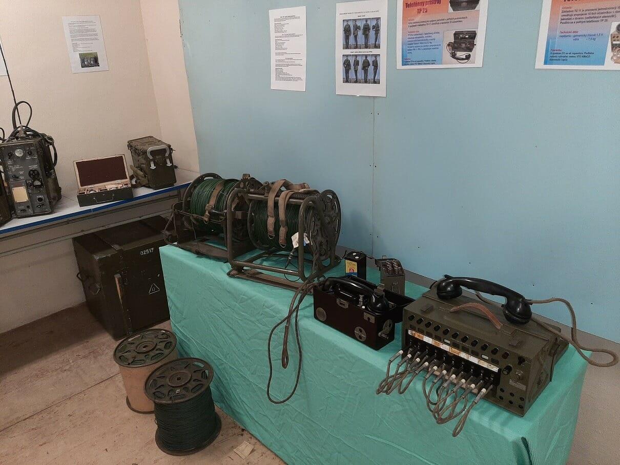Expozícia s rôznym technologickým vybavením