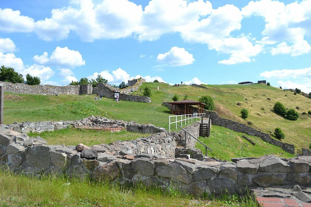 Rozsiahly areál Pustého hradu - Horný Hrad