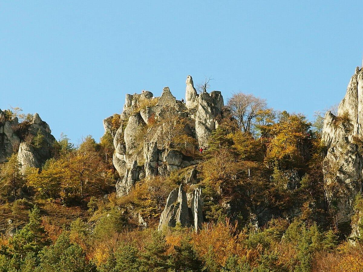 Zostali len ruiny Súľovského hradu